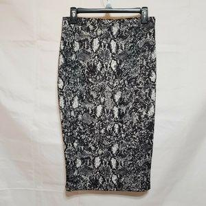 APT 9 Midi Pencil Skirt  Medium  Animal Print